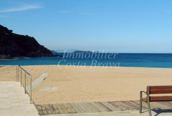 2nd line villa with sea views for sale in Sa Riera