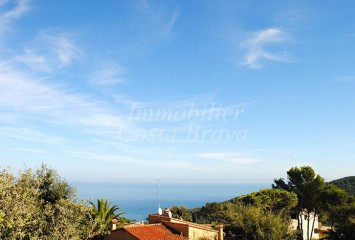 Large plot of land with sea views for sale in Begur, Sa Riera