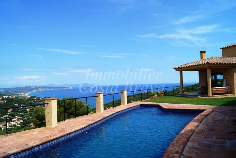 Catalan style villa recently built for sale with sea views and private pool in Begur