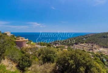 Large plot of land for sale with open views to the sea in Sa Riera