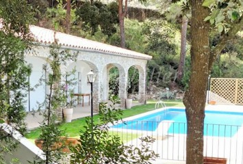 Refurbished Catalan style villa with sea views for sale in Sa Riera, Es Valls