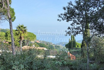 Building plot for investment with sea views for sale in Begur
