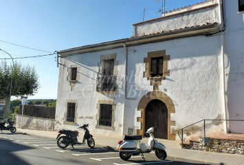 Charming Catalan style house  for sale in Begur centre