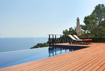 Fantastic modern style villa for sale in La Borna, Sa Tuna