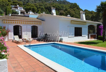 Catalan house for sale with sea views in AiguaBlava, Platja Fonda