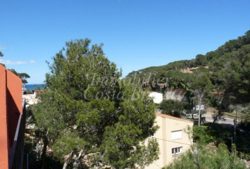 Agreeable attic refurbished apartment, located 100 m to Sa Riera, Begur