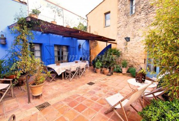 Beautiful refurbished village stone house for sale in Forallac