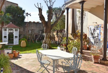 Unique modernist style house for sale in Palafrugell with a beautiful garden
