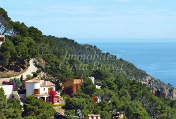 Lovely detached house with sea views for sale in La Borna, Sa Tuna