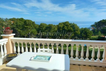 Totally refurbished top floor with sea views for sale in Begur, Aigua Freda