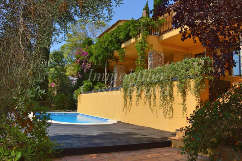 Charming mediterranean style villa with sea views and pool, for sale in Sa Riera, Begur