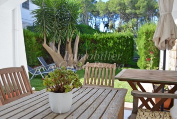 Beautiful sunny apartment with private garden for sell in Playa de Pals