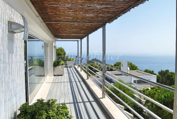 Modern house for sale with beautiful views in Sa Tuna, Begur