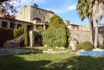 Beautiful masía with garden and  pool located 4 km to Palafrugell