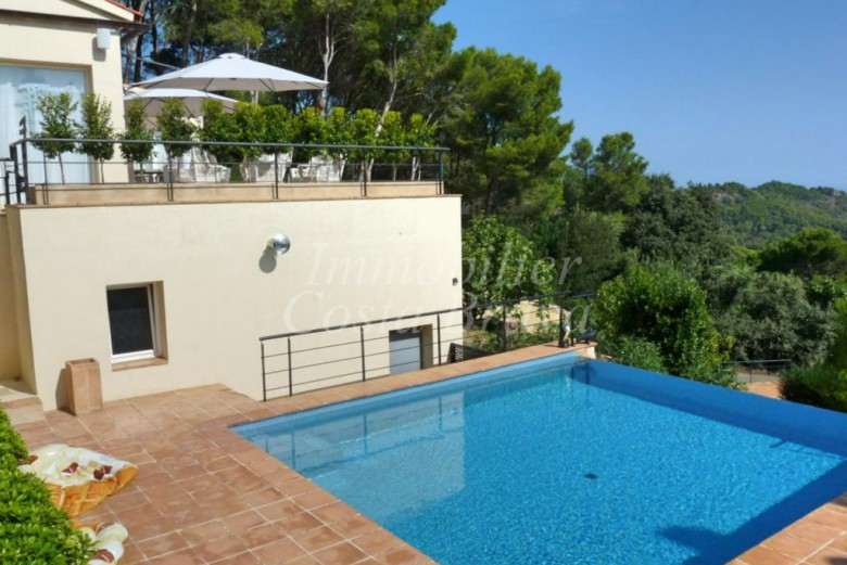 Recently built villa with sea views, pool and garden for sale in Mas Prats, Begur