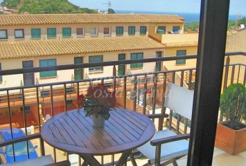 Sunny penthouse in perfect conditions with sea views for sell in Begur