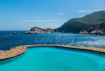 Apartment with fantastic sea views for sale, located the first line in Aigua Freda, Begur