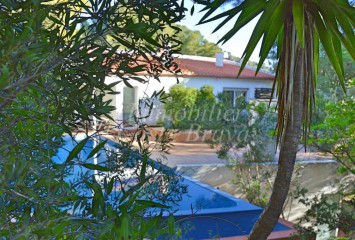 Detached villa with lots of charm for sell in Aigua Xelida, Tamariu, 5 mn walking distance to the beach