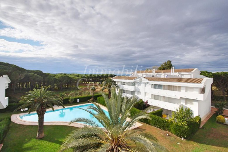 Large penthouse duplex with private pool and 2 terraces for sale in Playa de Pals