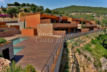 Luxurious apartments with sea views for sale in Begur AiguaBlava