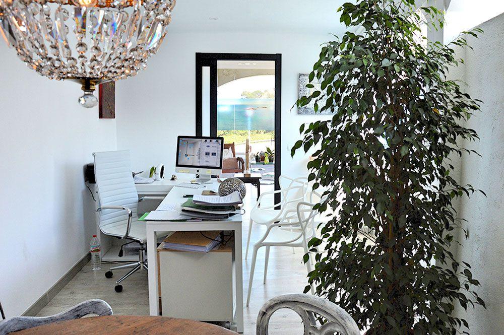 Qui sommes nous carole dubois immobilier costa brava for Achat maison costa brava
