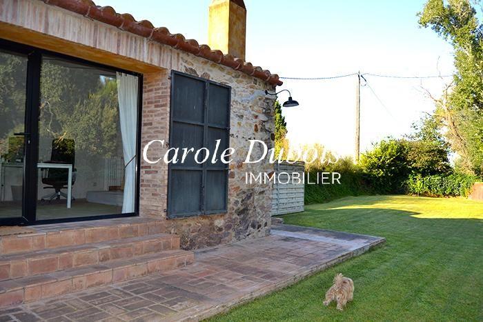 Encantadora casa r stica en venta reformada con jard n for Jardin casa rustica