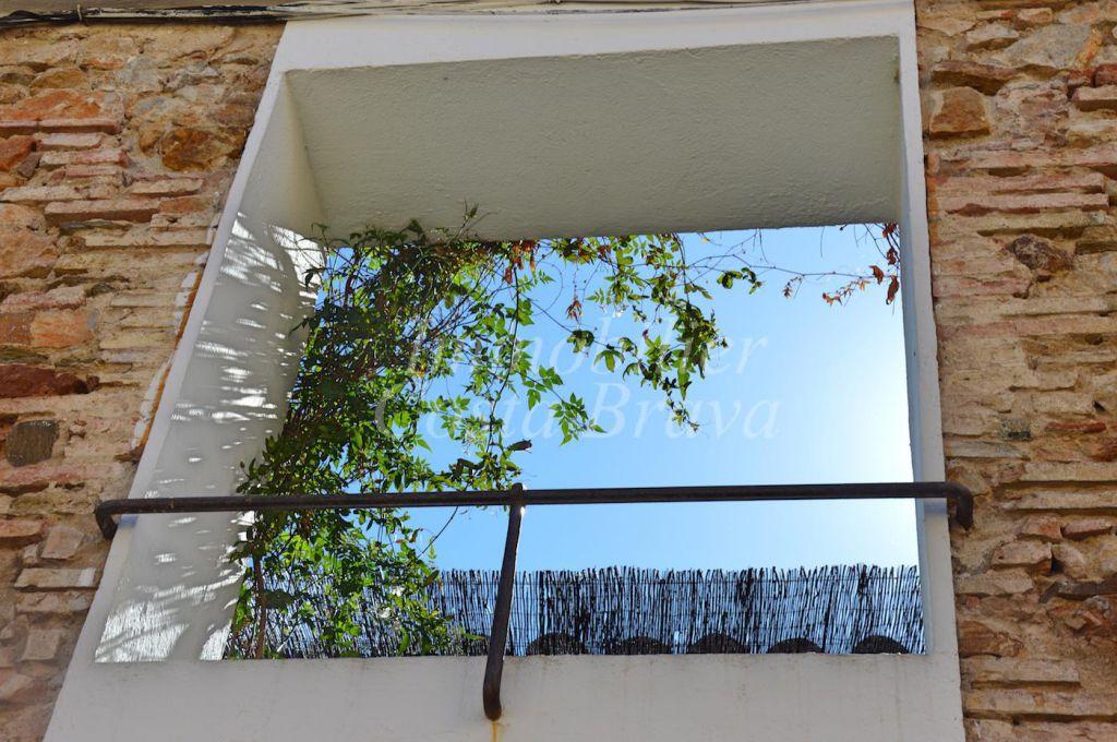 Magnifique maison de pierre de style moderne vendre for Porche maison moderne