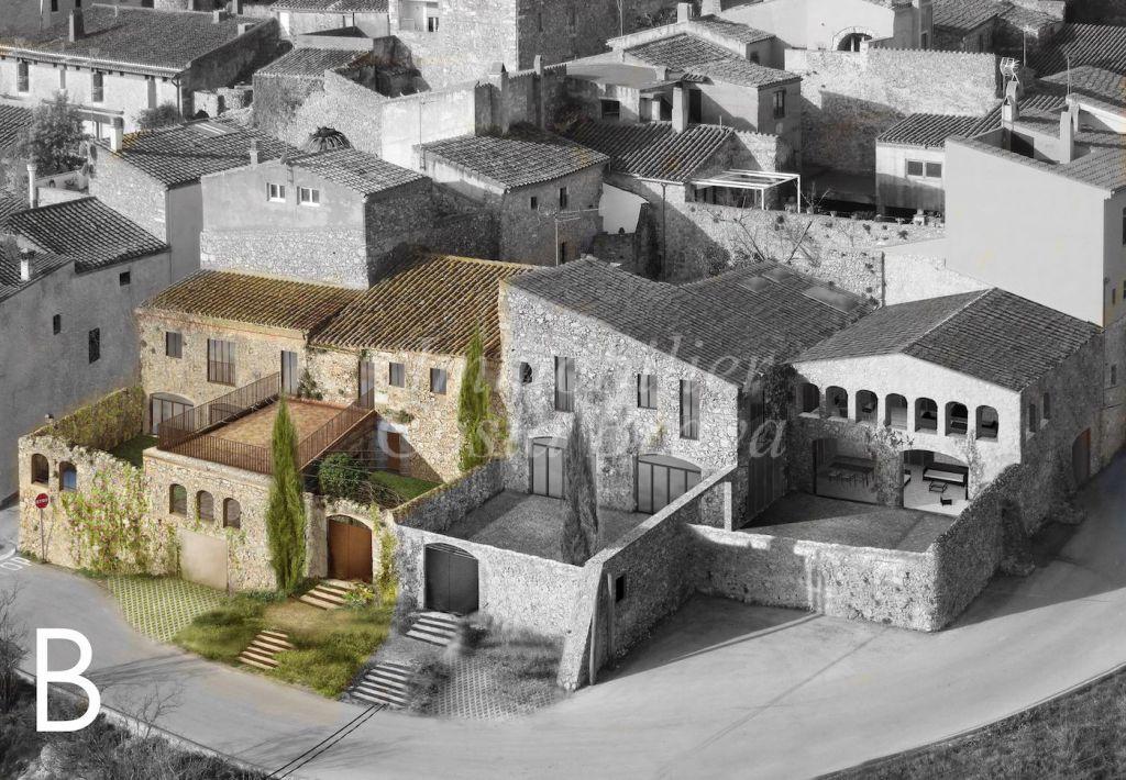 Magnifique maison en pierre totalement rénovée à vendre dans un petit village médiéval