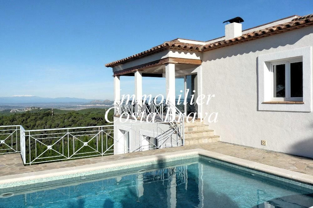 Villa avec de fantastiques vues sur la mer vendre begur for Achat maison costa brava