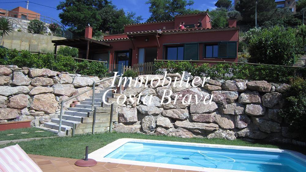 Agr able maison vendre avec un jardin et une piscine begur for Achat maison costa brava