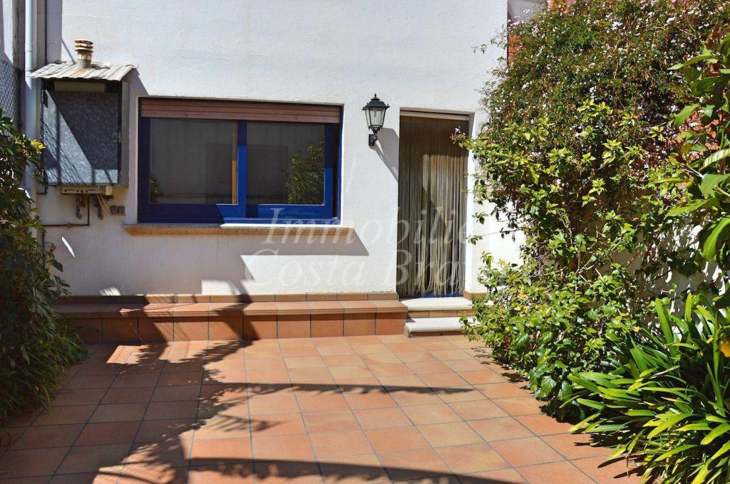 Maison rénovée avec patio à vendre en plein coeur de palafrugell