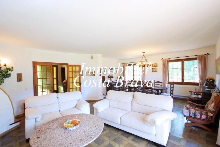 maison de style m diterran en vendre begur casa de campo. Black Bedroom Furniture Sets. Home Design Ideas