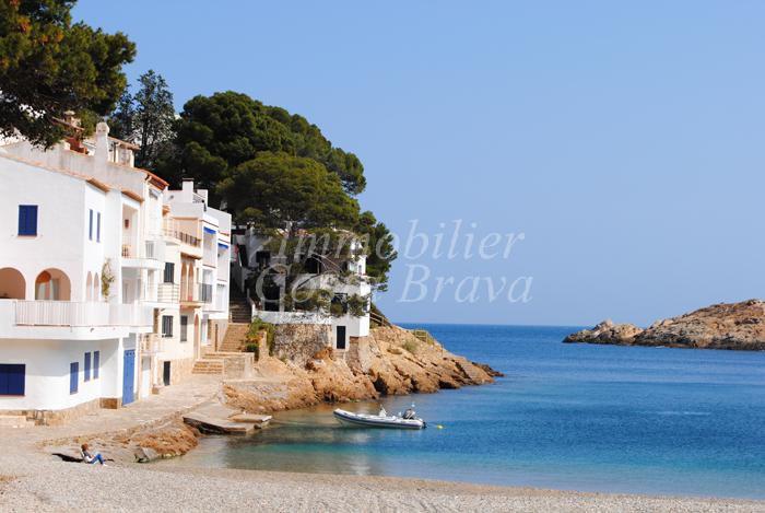 Exclusiva casa de pescador en 1a linea de mar a la venta en begur sa tuna - Casa playa costa brava ...