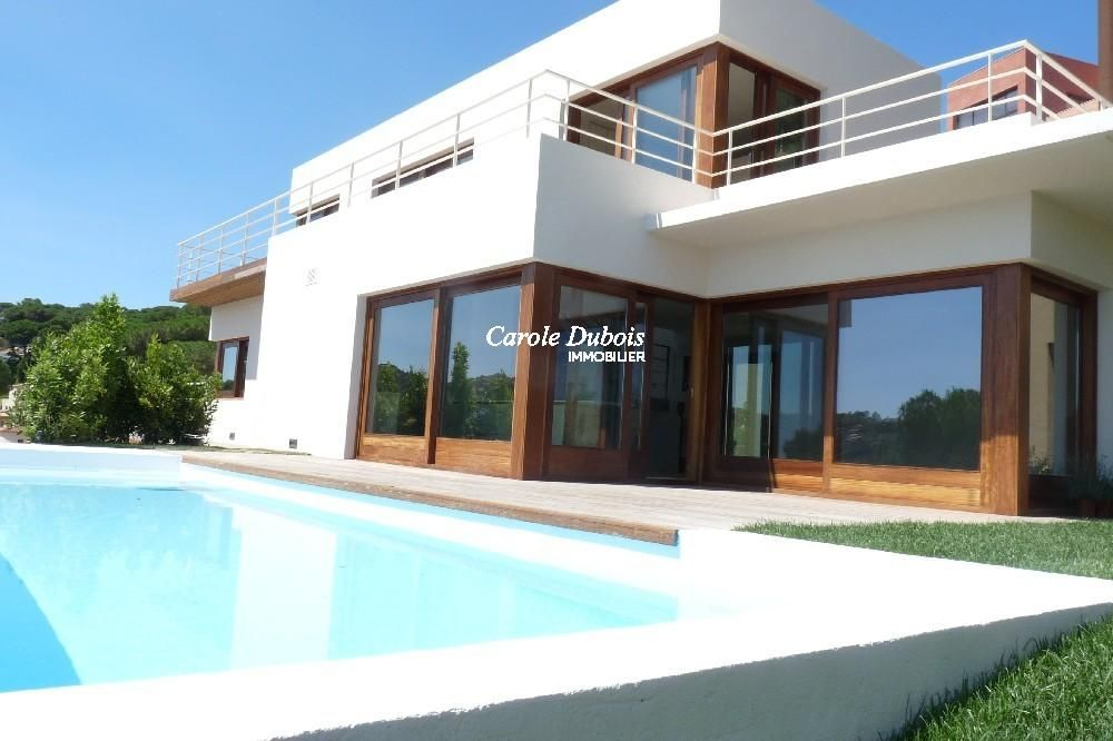 Belle villa moderne de nouvelle construction for Belles villas modernes