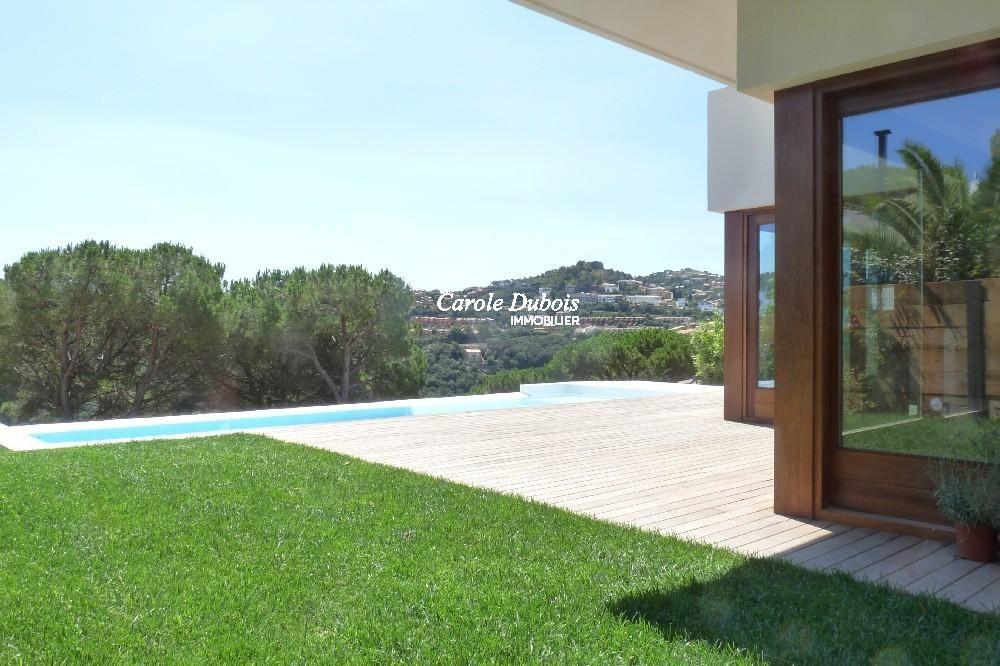 Belle villa moderne vendre de nouvelle construction begur for Frais nouvelle construction