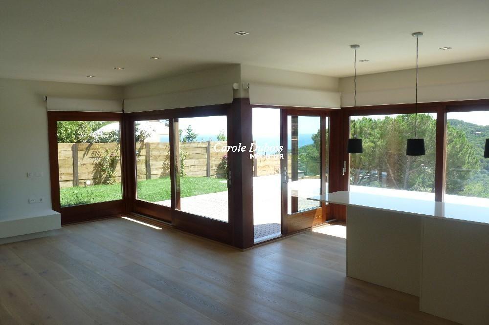 Belle villa moderne de nouvelle construction for Frais nouvelle construction