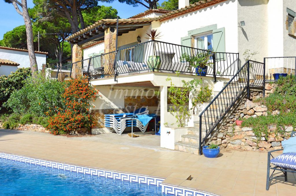 Detached Mediterranean Style House With Private Garden And Pool For In Residencial Begur