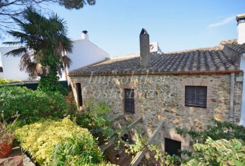 Farm house for sale in Begur